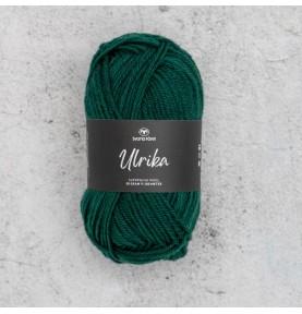Virkad mössa med skärm i Tilda limited edition